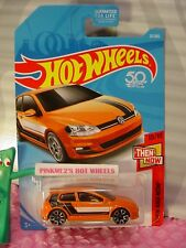 VOLKSWAGEN GOLF MK7 #21✰orange VW;TRAP5✰THEN AND NOW✰2018 Hot Wheels CASE Q/A
