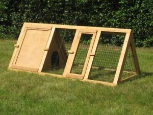 Bunny Business Apex Run with Enclosure Rabbit/ Guinea Run Hutch, 4 ft Apex run