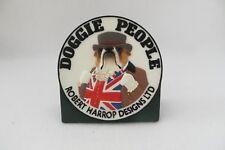 BULLDOG DOGGIE PEOPLE COLLECTOR PLAQUE - ROBERT HARROP - DPCP - MIB