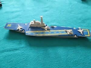 "LESNEY - MATCHBOX SEA KINGS ""K304 AIRCRAFT CARRIER"" 1976"