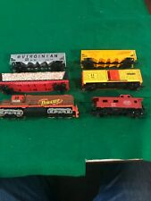 HO Scale TYCO Engine And Cars Great Condition (OHO30119)