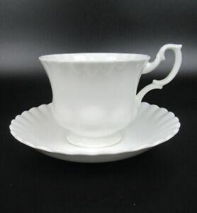 Royal Albert Porzellan Kaffeetasse + Untertasse Serie Reverie England weiss