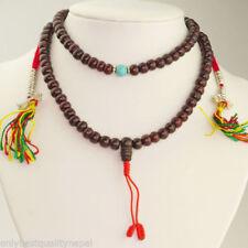 Collar de joyería con perlas turquesa