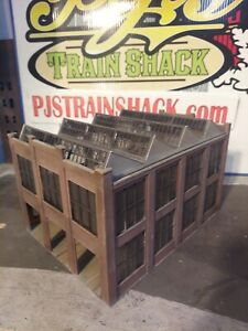 HO Scale Building Walthers Car Shop Built Weathered