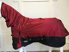 AXIOM 1800D BALLISTIC WATERPROOF RED/BLACK LIGHT/NO FILL MESH HORSE COMBO 5' 9