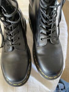 DR MARTENS Womens Black 14 Hole Lace Up Boots 8US EU39 UK6