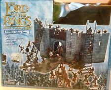 Lord of The Rings, Armies of Middle Earth HELMS DEEP PLAYSET w/3 Action Figures