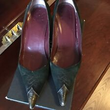 Designer Dark Green Suede Heels Pointed Toe Shoes, size 38 (US 8)
