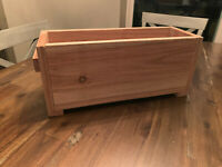 Cedar Handcrafted Farmhouse Wooden Flower Planter Box Wood - FAST FREE SHIPPING