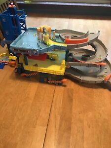 Matchbox Mission 4 Level Garage Vehicle Ramp Car Wash Mattel Toys