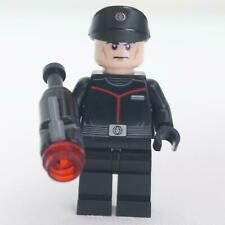 1 LEGO Minifigure First Order Officer -(75266) with blaster