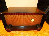 "Vintage 1948 ""The Pacemaker"" Art Deco Zenith Model 5D810Y Black 5-Tube Radio"