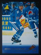 NHL 72 Adam Deadmarsh Colorado Avalanche Pinnacle 1995/96 (6,4 x 8,9)
