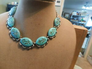 VTG Silver Tone & Turquoise Color with Flower Design Necklace and Earrings Set