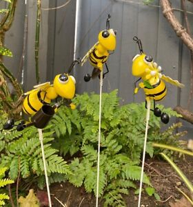 Tall Garden Ornament Outdoor Metal Bee Stake Pick Patio Lawn Insect Decoration