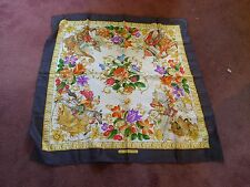 sign Gucci vintage silk hand rolled colorful scarf