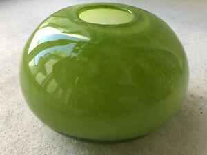 Henry Dean Vase Glas grün rund  20 cm handgefertigt unbenutzt