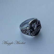 Harry Hogwarts Gryffindor House Ring black lion silver Horcrux Ron hermione