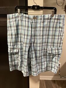 NWT TOMMY BAHAMA ISLAND CRAFTED SIZE 40 SHADES OF BLUE 100% COTTON PLAID SHORTS