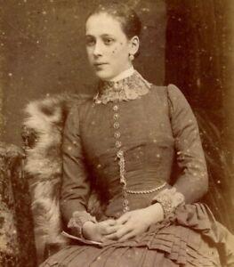 Antique CDV Carte De Visite Victorian lady W Rowe & Co High St Leicester #22