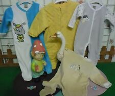 vêtements occasion garçon 6 mois ,3 grenouillères velours,1 sur-pyjamas