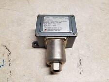 "United Electric J6-126-9543 Range: 30""HGV-0 PSI Pressure Switch"
