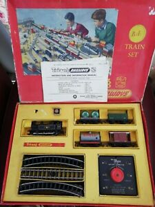 Triang Hornby 00 Gauge Train Set