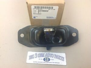Chevrolet Silverado GMC Sierra RH or LH Side Tailgate Latch new OEM 23158822