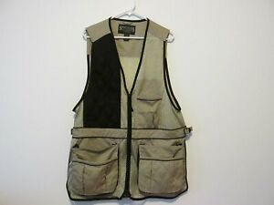 Hunting vest by Sportsman warehouse outfitters size Large