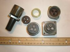 NEW - MS3106F 22-2P with Bushing and MS3100R 22-2S - 3 Pin Mating Pair