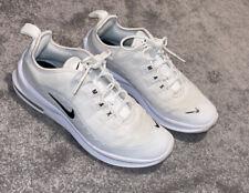 White Nike Air Max Axis Size 4