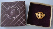 Original WW2 US Discharge Ruptured Duck Lapel Pin in Vintage Pasquale Co. Box