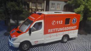 Rettungsdienst   Rettungswagen 1:87 aus Metall   Spur H0
