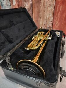 King 600Bb Trumpet, Bach 3C Mouthpiece, 2 Mutes With Hard Case | See Pictures