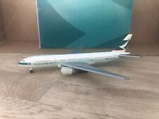 Cathay Pacific 777-200 1:500 (Reg VR-HNA) OG Herpa Wings