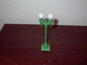 American Flyer S-gauge light bulb socket for illuminated cars
