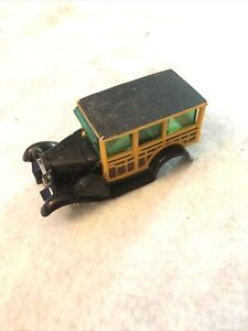 """HO SLOT CAR """"body only"""" AFX #1746 Ford model A Woody AFX 4 gear chassis."""
