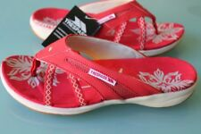 NEW TREAPASS WOMEN  8 Crux Thong Sandals RED WHITE SHOES SUMMER