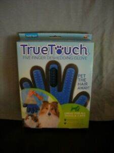 Pet Grooming Glove for Gentle and Efficient Care