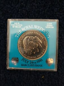 Royal Wedding 1981 Charles and Diana Crown Coin in original Barclays case