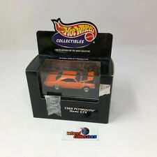 #879  1969 Plymouth Hemi GTX w/ Acrylic Case Hot Wheels Collectibles * JC27