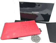 "CHANEL BEAUTE MAKE UP BAG/CASE RED FLAT ZIP BNIB 11"" x 6.5"" (27cm x 16.5cm)"