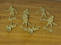 """Vintage Lot of 7 Tan Plastic 2"""" Marx Army Soldiers"""