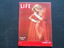 1952 SEPTEMBER 8 LIFE MAGAZINE - FALL FASHIONS - L 818