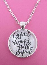 Cupid 'fa rima con stupidi Collana Placcato Argento Nuovo nella borsa regalo anti-Valentine