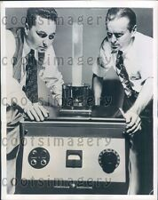 1949 Engineers With General Electric Ultrasonic Generator NY Press Photo