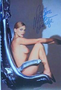 "Natasha Henstridge orig. Autogramm "" SEXY/NUDE "" SPECIES Motiv 20x30"