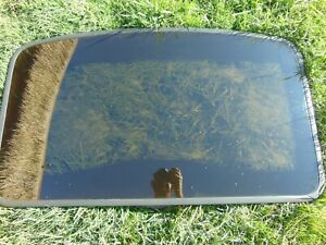 92-95 Toyota Paseo Sunroof Moon Roof Manual Pop-Up Glass Assembly