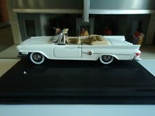 Oxford  1961  CHRYSLER 300 Convertible   White   1/87  HO  diecast car