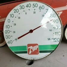 VINTAGE ADVERTISING 7 UP STORE ROUND THERMOMETER Glass front
